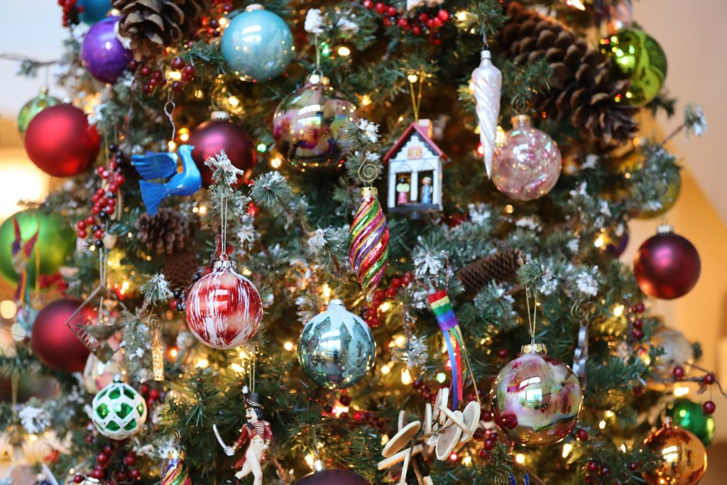 Cup of Cheer 2020 – Virtual Holiday Home Tours